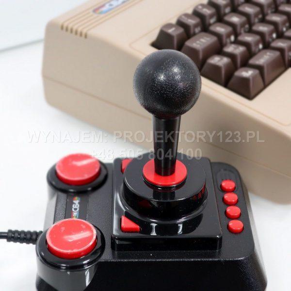 PROJEKTORY123 - wynajem Commodore C64, wynajem konsoli retro