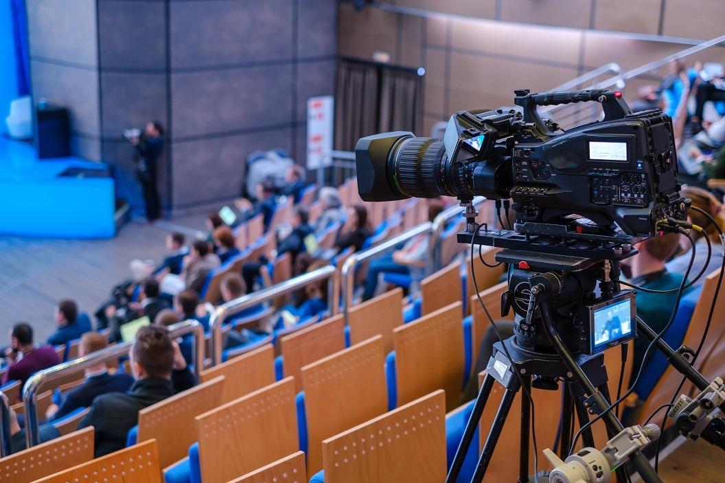 PROJEKTORY123.PL - transmisja wydarzeń, livestreaming, szkolenia online, wideokonferencje