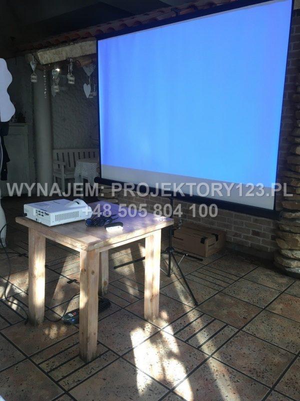 Wynajem projektora krótkoogniskowego - przykład użycia